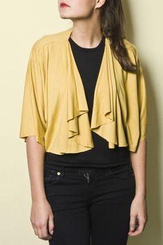 Gelbes kurzes Jäckchen // short yellow jacket by bloe design via DaWanda.com