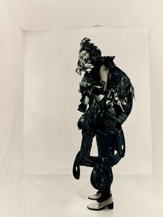 """""""There is never repetition,"""" says photographer Paolo Roversi of Rei Kawakubo's work. Here, he talks about their initial meeting 34 years ago and what her work means to him. Paolo Roversi, Yohji Yamamoto, Vogue Paris, Paris Tokyo, Comme Des Garçons Shirt, Art Photography, Fashion Photography, Comme Des Garcons Play, Geometric Fashion"""