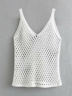 To find out about the Cut-out Sheer Tank Top at SHEIN, part of our latest Tank Tops & Camis ready to shop online today! Crochet Cami Tops, Crochet Shirt, Crochet Bikini, Gilet Crochet, Knit Crochet, Mode Crochet, Sheer Tank Top, Crochet Videos, Style Vintage