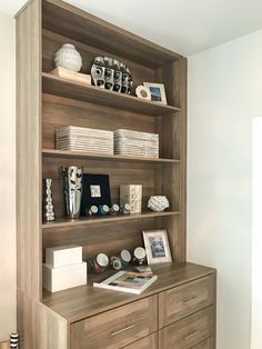 EVRGRN Engineered wood bookshelf in Straan with 3 piece drawer fronts