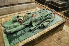 Père Lachaise Cemetery in Paris, France. Not Jim Morrison Oscar Wilde