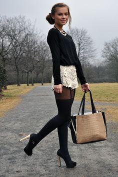 http://donnaromina.blogspot.de/2012/02/bag-romwe-shorts-pullover-zara-necklace.html