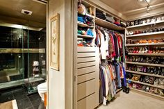 Closet and Wardrobe Designs. Amazing bathroom integrated wooden wardrobe walk-in closet design. Fancy Dream Home Interior Walk-in Closet Designs Walking Closet, Closet Walk-in, Organizing Walk In Closet, Walk In Closet Small, Shoe Rack Closet, Closet Vanity, Build A Closet, Closet Ideas, Shoe Racks