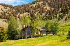 MLS#: 185196 $2,490,000 18451 Bridger Hollow Road BOZEMAN MT 59715
