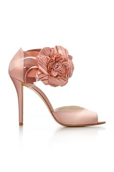 Stuart Weitzman in pink. I wish I could afford something like these for my wedding shoes. Women's Shoes, Pink Shoes, Cute Shoes, Me Too Shoes, Shoe Boots, Blush Shoes, Satin Shoes, Pretty Shoes, Platform Shoes