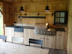 Buitenkeukens van Bowisse outside kitchen The Effective Pictures We Offer You About Outdoor Kitchen Rustic Outdoor Kitchens, Kitchen Finishes, Kitchen, Built In Grill, Covered Outdoor Kitchens, Kitchen Living, Outdoor Kitchen, Kitchen Bar, Patio Kitchen
