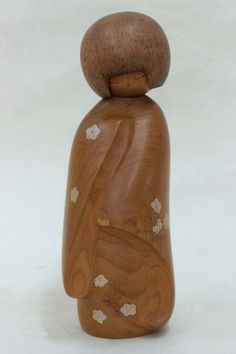 Let's look at kokeshi | What to Do at Usaburo Kokeshi? | Usaburo Kokeshi is a sosaku kokeshi (a new type of kokeshi (wooden doll), which is ...