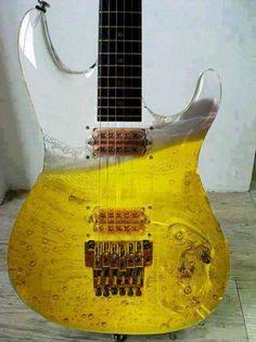 Ben je gek op bier en op gitaren? Dan is dit wellicht de ultieme combi. #beer #guitar