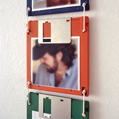 6 Best Ideas for Recycled Craft Projects Upcycled Crafts, Diy And Crafts, Cassette Tape Crafts, Room Maker, Quirky Decor, Wall Clock Design, Floppy Disk, Ideias Diy, Diy Art