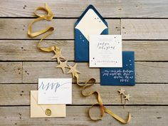 Southern Weddings V6: Deep in the Heart of Texas  | lovely gold accents to the invitations  | #SimplyWedding