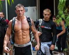 Interessante documentario di Stuart Cooper (maestro di arti marziali e film maker) da cui trapela lo spirito agonistico del Ju Jitsu da competizione.