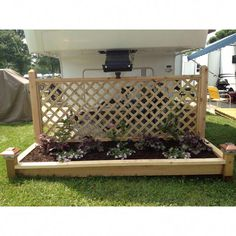 Another awesome planter box my DH (darling husband) made for our campsite! Another awesome planter box my DH (darling husband) made for our campsite! Camping Hacks, Rv Hacks, Camping Gear, Animal Crossing Paths, Glamping, Campsite Decorating, Rv Decorating, Camping In Deutschland, Trailer Deck