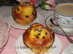 La buona cucina di Katty: Torta rose con crema pasticcera e gocce di cioccolato