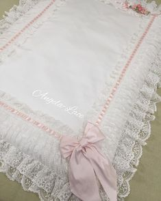 Cotton and lace baby carry pillow. baby boys Source by menouni Diy Crochet, Crochet Baby, Cotton Crochet, Cotton Lace, Baby Fruit, Baby Carrying, Baby Prams, Baby Pillows, Baby Kind