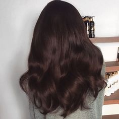 Slayyyy in The Effin Hair Game push over to see the before - Haare - Cheveux Femme Chocolate Brown Hair, Hair Game, Aesthetic Hair, Brown Hair Colors, Brunette Hair, Gorgeous Hair, Dark Hair, Hair Looks, Hair Inspiration