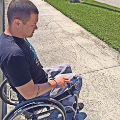 smartphone mount>>> See it. Believe it. Do it. Watch thousands of spinal cord injury videos at SPINALpedia.com Wheelchair Accessories, Spinal Cord Injury, Wheelchairs, Cerebral Palsy, Disability, Baby Strollers, Smartphone, Gadgets, Medical