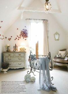 Luxuriöse Babyzimmer – 11 märchenhafte Designs - babyzimmer alt stil elegant wanddekoration