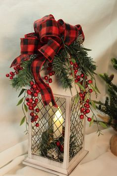 Lantern Christmas Decor, Christmas Bathroom Decor, Christmas Table Centerpieces, Country Christmas Decorations, Christmas Arrangements, Xmas Decorations, Lantern Centerpieces, Holiday Tables, Holiday Decor