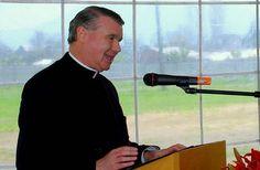 La vida de lujos de John O'Reilly, acusado de pederastia, y los otros curas Legionarios de Cristo