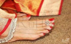 silver toe rings and anklets with beautifu red nailpolish Toe Ring Designs, Anklet Designs, Sterling Silver Toe Rings, Silver Anklets, Silver Jewellery, Wedding Toes, Wedding Nails, Wedding List, Isadora Duncan