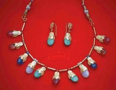 Multicolour Punjabi Dakh Set Gold Plated Jewellery Artificial jewelery Original Gold Polished Dakh Set This set consists of:Necklace and Ear ring Da Necklace Set, Gold Necklace, Beaded Jewelry, Handmade Jewelry, Gold Jewellery Design, Gold Polish, Indian Jewelry, Jewelery, Jewelry Making