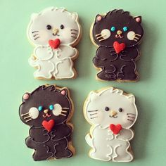 black and white kitty cookies