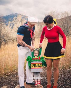 60 Family Halloween Costumes to dress up your whole crew in the colors of Halloween - Hike n Dip - Parchen Fotos