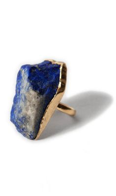 Lapis lazuli ring... this is the stone they make ultramarine blue out of! i want this