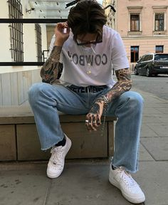 Trendy Boy Outfits, Vintage Style Outfits, Cool Outfits, Kids Outfits, Moda Indie, Indie Men, Tattoos Masculinas, Boy Fashion, Mens Fashion