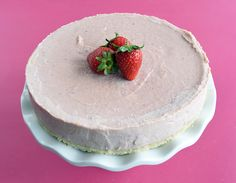 Dairy Free Strawberry Cheesecake / Dis-Chem - Pharmacists who care Pharmacists, Strawberry Cheesecake, Dairy Free, Icing, Healthy Recipes, Dishes, Desserts, Food, Tailgate Desserts