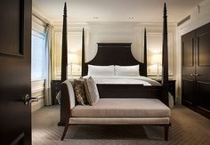 Renaissance Hotel Providence | @grace_ormonde @wedding_style | Presidential Suite bedroom