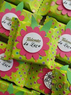 CAFÔFU - ATELIÊ DE ARTE: E AÍ, O QUE TEM DE BOM? - PRESENTE PRA SEMPRE  Inspirações de Natal coletadas da internet e postadas no meu blog.  Quer saber mais do Cafôfu Ateliê de Arte? Você também nos encontra nas redes e mídias sociais:  cafofuateliedearte@gmail.com  https://www.youtube.com/user/vivilela14  https://www.facebook.com/cafofuateliedearte/  https://www.instagram.com/cafofuatelie/