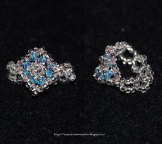 Tante piccole idee realizzate: Anello in cristalli Swarovski trasparenti rosa antico e azzurri, con rocailles trasparenti.