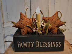 Family Blessings Star Light Arrangement Painted Wood Crafts, Painted Paper, Primitive Lighting, Cream Flowers, Country Primitive, Light Decorations, Painting On Wood, Blessings, Easy Diy