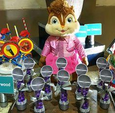 Tubete decorado com o tema Alvim e os esquilos da Marcia Colonese e festa realizada no Buffet Miniland Tatuapé   #buffetminiland #minilandbuffet
