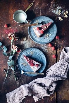 Gluten-free Polenta Cake with Raspberries and Pistacchios - Our Food Stories Cake Photography, Food Photography Styling, Food Styling, Autumn Photography, Photoshop Photography, Polenta Cakes, Food Trends, Culinary Arts, Food Pictures