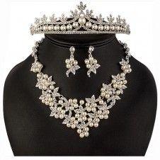 SET bijuterii mireasa Safiria colier cercei tiara diadema cu perle si cristale Floral, Jewelry, Fashion, Crystal, Moda, Jewlery, Bijoux, Fashion Styles, Florals