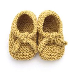 Learn how to Make these cute Knitted Baby Shoes made with GARTER stitch. Ballerina Style. FREE Step by Step Pattern & Tutorial. Very EASY!