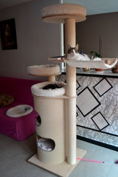 arbre à chat natural paradise xxl Cool Cat Trees, Cool Cats, Cat Character, Cat Condo, Lipton, Pet Furniture, Jouer, Habitats, Woodworking