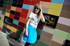 Teratoiid Selfoiid - La pose | Et voici les coulisses du shooting du petit dernier: Teratoiid Selfoiid!  Il est dispo dans la boutique Teratoiid sur Etsy!  Merci encore à Ania  pour la pose!  --- TERATOIID T-shirts / Linogravure / Petite série / Coton bio. www.teratoiid.com www.teratoiid-blog-linogravure.blogspot.be www.facebook.com/teratoiid6