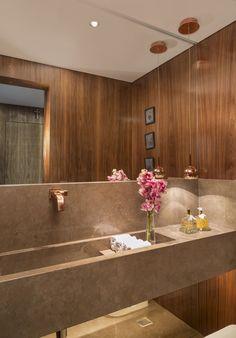 The Art Of The Modern Luxury salle de bains . Interior Design Toilet, Modern Interior Design, Interior Decorating, Restroom Design, Deco Addict, My Ideal Home, Interior Exterior, Amazing Bathrooms, Bathroom Inspiration