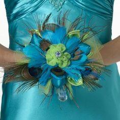 Exclusief kleurrijk bruidsboeket handgemaakt met pauwenveren, blauw en groen satijnstof en tule, blauwe veren en strassdecoratie.