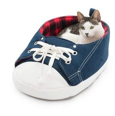 Sneaker Pet Bed..With this around the house, your pet might just leave your other footwear alone. #affiliate #cats #catbed #animals