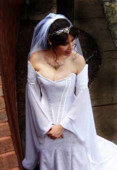 Celtic Wedding Dresses | ... Crowns, Tiaras and Dresses for your Medieval, Celtic or Elven Wedding