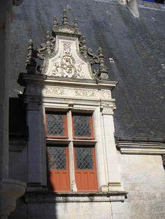 Lucarne B Azay-le-rideau - French Renaissance architecture - Wikipedia Renaissance Architecture, Architecture Details, Big Ben, Exterior, French, Building, Travel, Timeline, Mansions