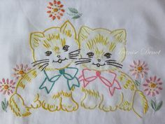 Towel Embroidery, Hand Work Embroidery, Embroidery Transfers, Hand Embroidery Stitches, Vintage Embroidery, Free Machine Embroidery Designs, Embroidery Applique, Cross Stitch Embroidery, Patch Quilt