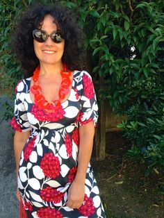 Pinkfluo blogger, wearing Carla Matos Polychain Red necklace and Sillymond ring - for Scicche www.scicche.it
