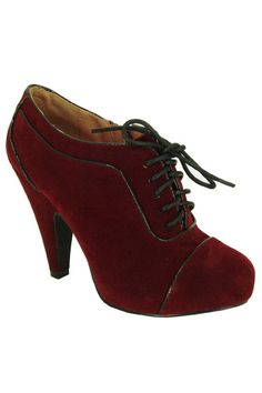 Retro Burgundy Heels - if i wore heels, i would die for these!