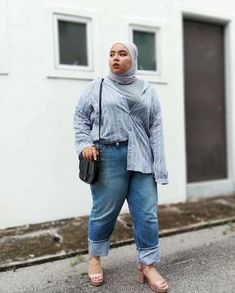 fashion hijab Top Plus Size Hijab Fashion - fashion Modern Hijab Fashion, Street Hijab Fashion, Hijab Fashion Inspiration, Muslim Fashion, Modest Fashion, Fashion Top, Fashion 2018, Fashion Ideas, Winter Fashion