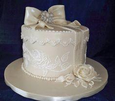 box style wedding cake with vintage bow and open sugar rose http://www.elisabethscakes.com.au/